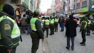 Policía interviene el 'Barrio Chino' de El Alto; hay arrestados y se secuestró decenas de celulares