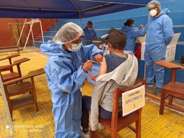 Facultad de Ingeniería vacuna a estudiantes para volver a prácticas