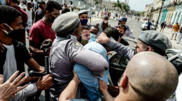 A dos meses de las protestas en Cuba, cientos de detenidos y mucha angustia