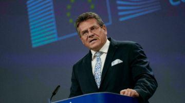 La UE advierte que no se deben renegociar las reglas posbrexit para Irlanda del Norte