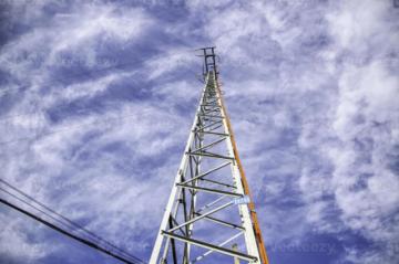Falla en el Sistema Interconectado Nacional provoca corte de energía eléctrica en el sur del país