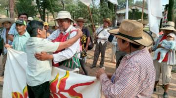 Marcha indígena: Queremos enseñar a nuestros hijos a trabajar la tierra, no venderla por plata