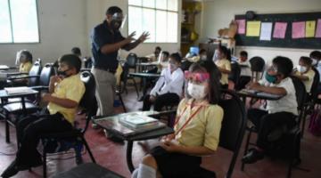 Piden incluir psicólogos en retorno a clases a colegios para prevenir la violencia escolar