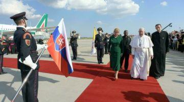"""El Papa pide """"fraternidad"""" más allá de las fronteras frente a la pandemia"""