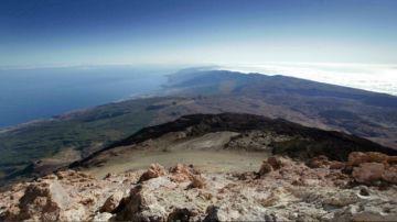 Un volcán, bajo vigilancia en las islas Canarias por alta actividad sísmica
