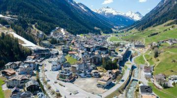 Tribunal austriaco abre primer proceso por manejo de pandemia en centro de esquí