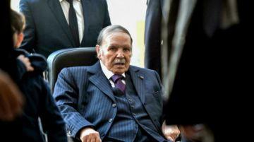 Muere longevo expresidente de Argelia Abdelaziz Bouteflika