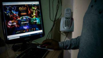 De policía a jardinero virtual: juegos NFT ganan adeptos en Venezuela