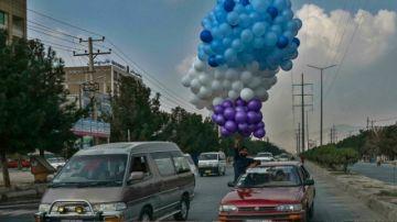"""Los talibanes garantizan que las estudiantes volverán a la escuela """"lo antes posible"""""""