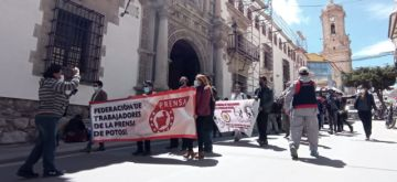 Trabajadores de la prensa en Potosí marchan por la defensa de la libertad de expresión