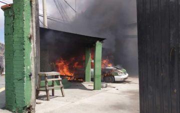 Disturbios en conflicto cocalero dejan un módulo policial destrozado y cinco vehículos quemados
