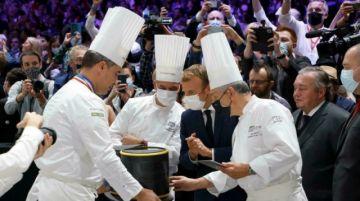 Lanzan un huevo contra el presidente francés en un congreso de hostelería