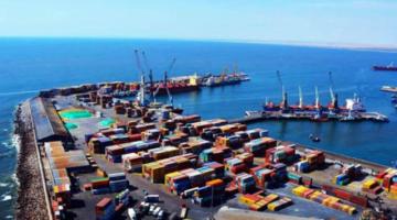 CNC alerta sobre la pérdida de $us80 mil por día por suspensión de carga en puerto de Arica