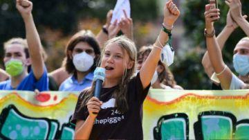 Cientos de jóvenes de todo el mundo se manifestaron en Milán contra el cambio climático