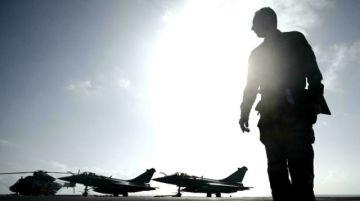 Argelia prohíbe sobrevolar su territorio a aviones militares franceses