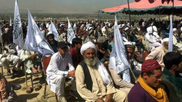 Desarrollan encuentro de talibanes en Kabul para celebrar la victoria