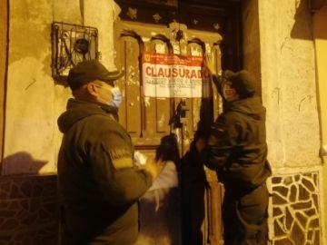 Intendencia clausura locales a denuncia de vecinos