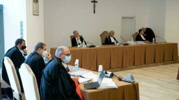Se reanuda el juicio en el Vaticano contra un cardenal acusado de malversación