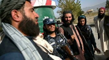 Acostumbrada a la yihad, la policía talibana aprende el oficio en Kabul