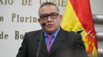 Viceministro Cox tilda a Reyes Villa de 'corrupto sentenciado'