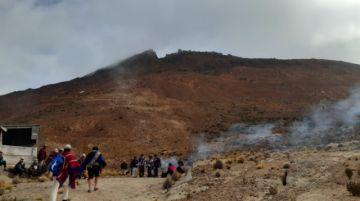 Qaraqaras realizan ceremonia de desagravio al Cerro Rico de Potosí
