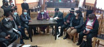 Todo listo para que se inicie la sesión en la que el Concejo Municipal recibirá a Manquiri