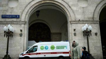 Moscú ordena el cierre de servicios no esenciales en otro día récord de muertos de covid