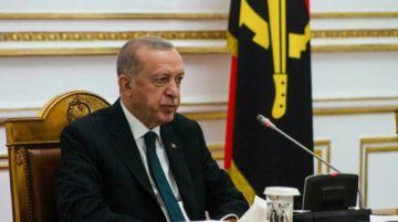 Erdogan amenaza con expulsar a diez embajadores tras el pedido para liberar a un opositor turco