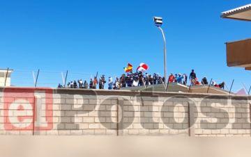 En desarrollo: Motín en el penal de Cantumarca