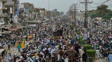 Reportan enfrentamientos mortales en Pakistán durante la manifestación de un partido prohibido