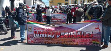Vecinos marchan en rechazo a falta de respuesta de la comisión jurídica de la Alcaldía