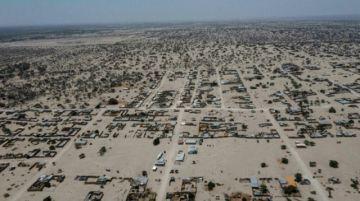 Miles de migrantes climáticos viven hace años en campamentos en el desierto de Perú