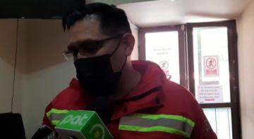 Bomberos sofoca incendio en Tarapaya, en la ruta Potosí Oruro
