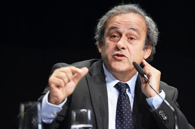 Platini recibe respaldo de cuatro federaciones de fútbol