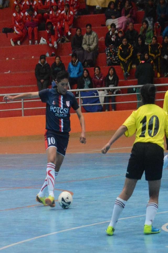 Potosí golea en su debut en el Nacional de Fútbol de Salón