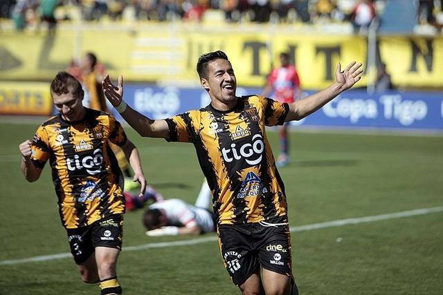 The Strongest golea y manda en el torneo Apertura
