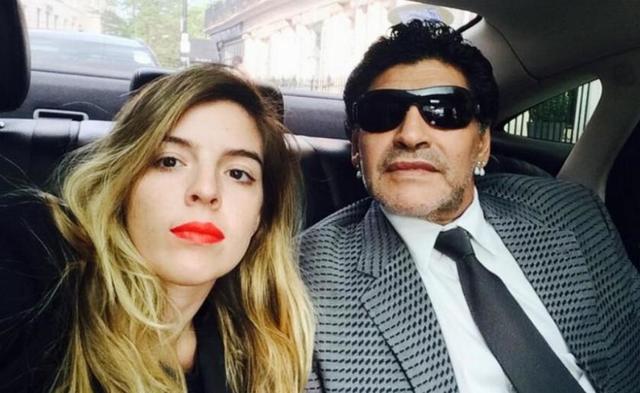 Maradona celebra su 55 cumpleaños con un escándalo en las redes sociales