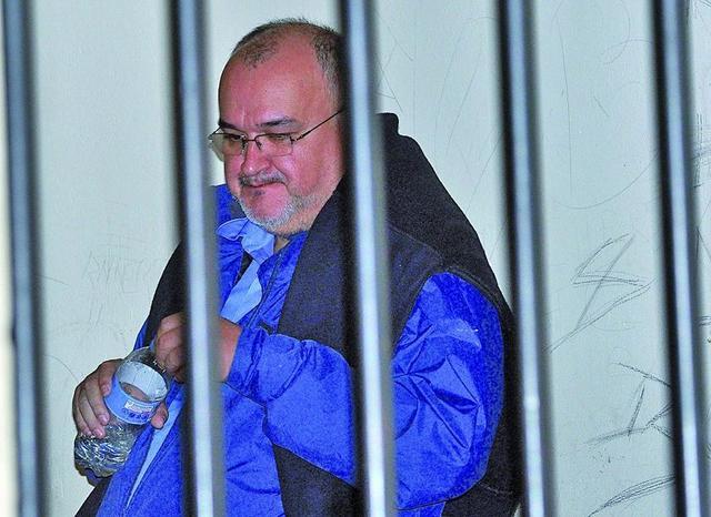 Condenan a tres años a Zambrano