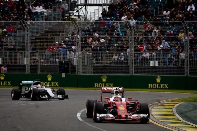 Lewis Hamilton comienza la defensa de su título