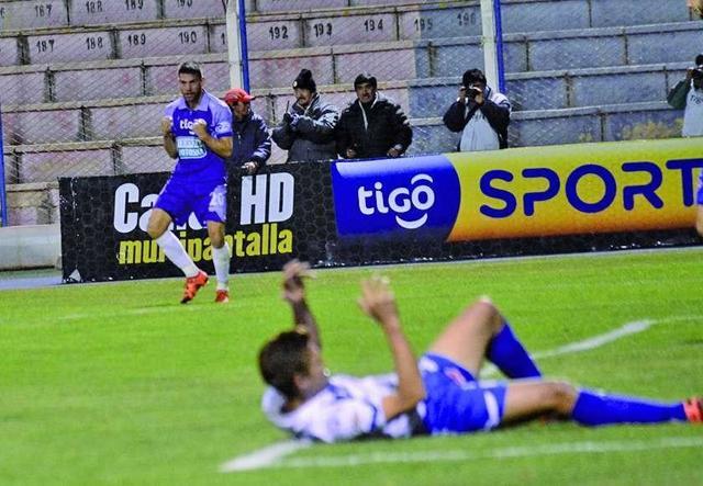 Real Potosí gana y se aleja del descenso