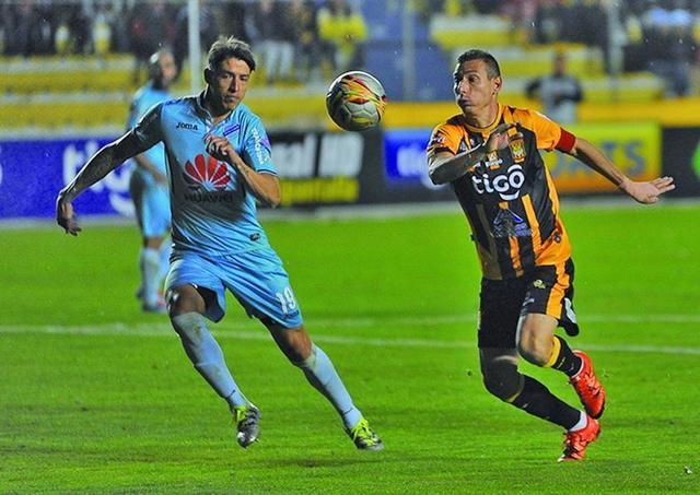 Bolívar empata y se mantiene en la cima