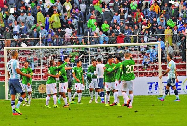 Bolivia sube 23 puestos en la FIFA