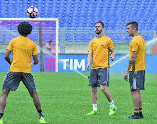 Juventus y Lazio se juegan el título