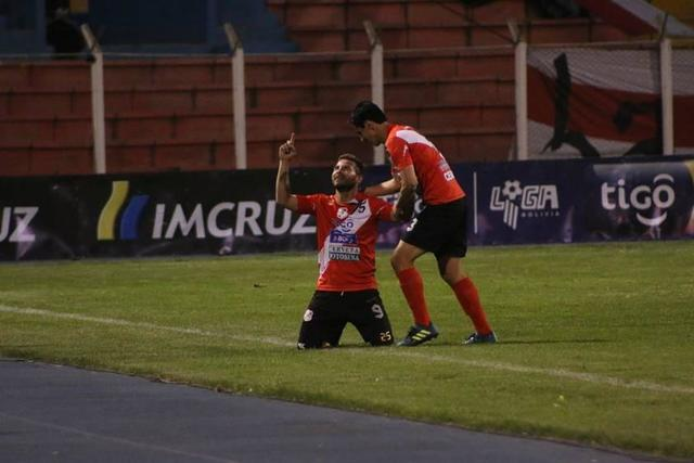 Nacional gana y acaricia una Sudamericana