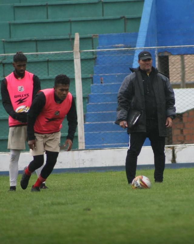 Nacional analiza la llegada de jugadores para la Copa