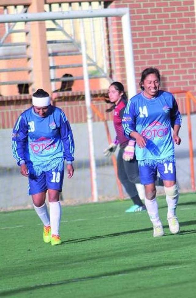 Convocan a tres potosinas a la selección nacional de fútbol