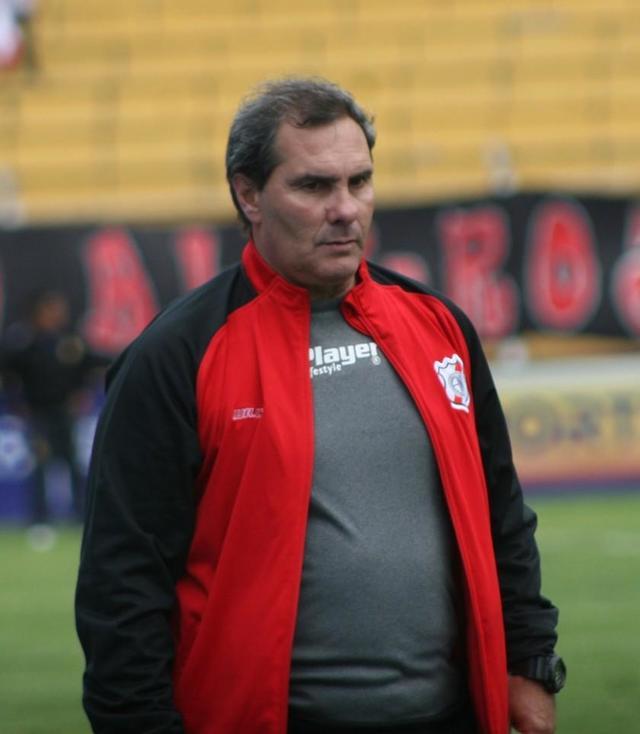 Real Potosí le baja el pulgar al técnico Milton Maygua