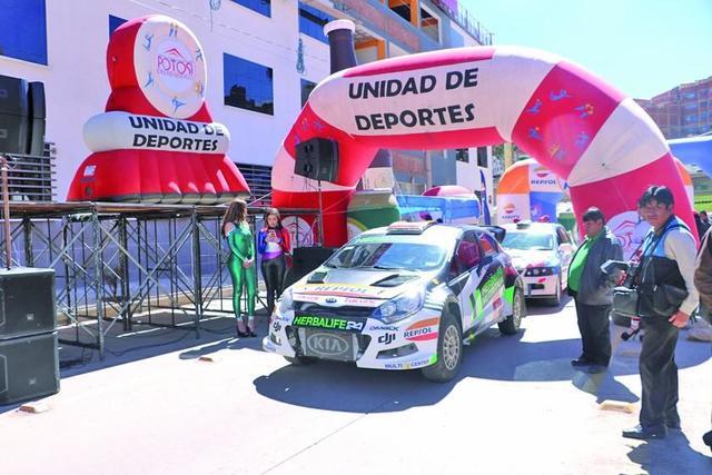 Potosinos luchan por el título nacional de automovilismo