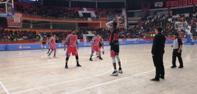 Pichincha gana a La Salle 96 a 49