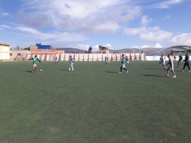 El equipo Real Potosí continúa entrenamientos